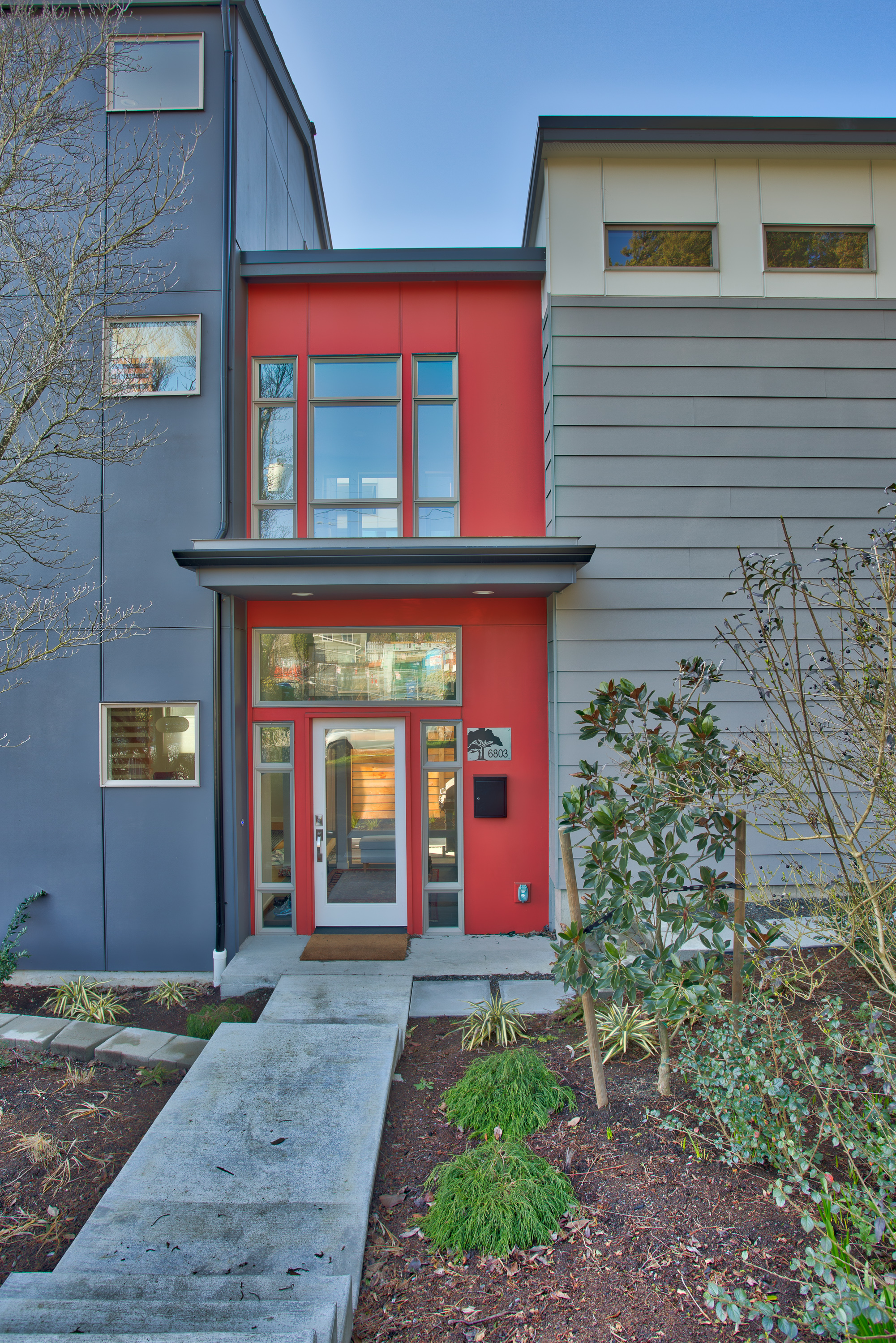 Red James Hardie siding installation in Seattle, WA