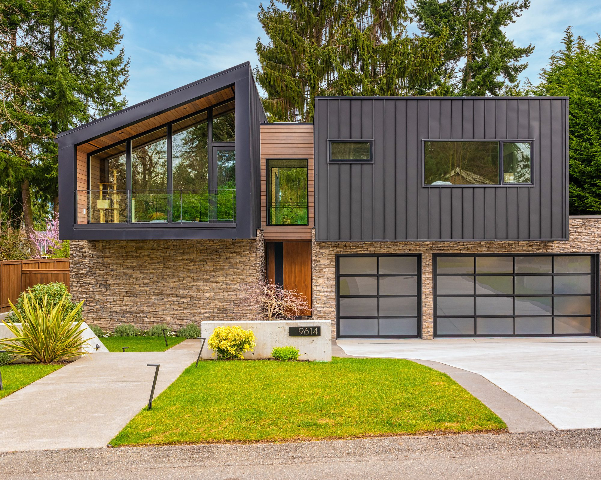 Modern upscale siding by Exterior Crew in Bellevue, WA