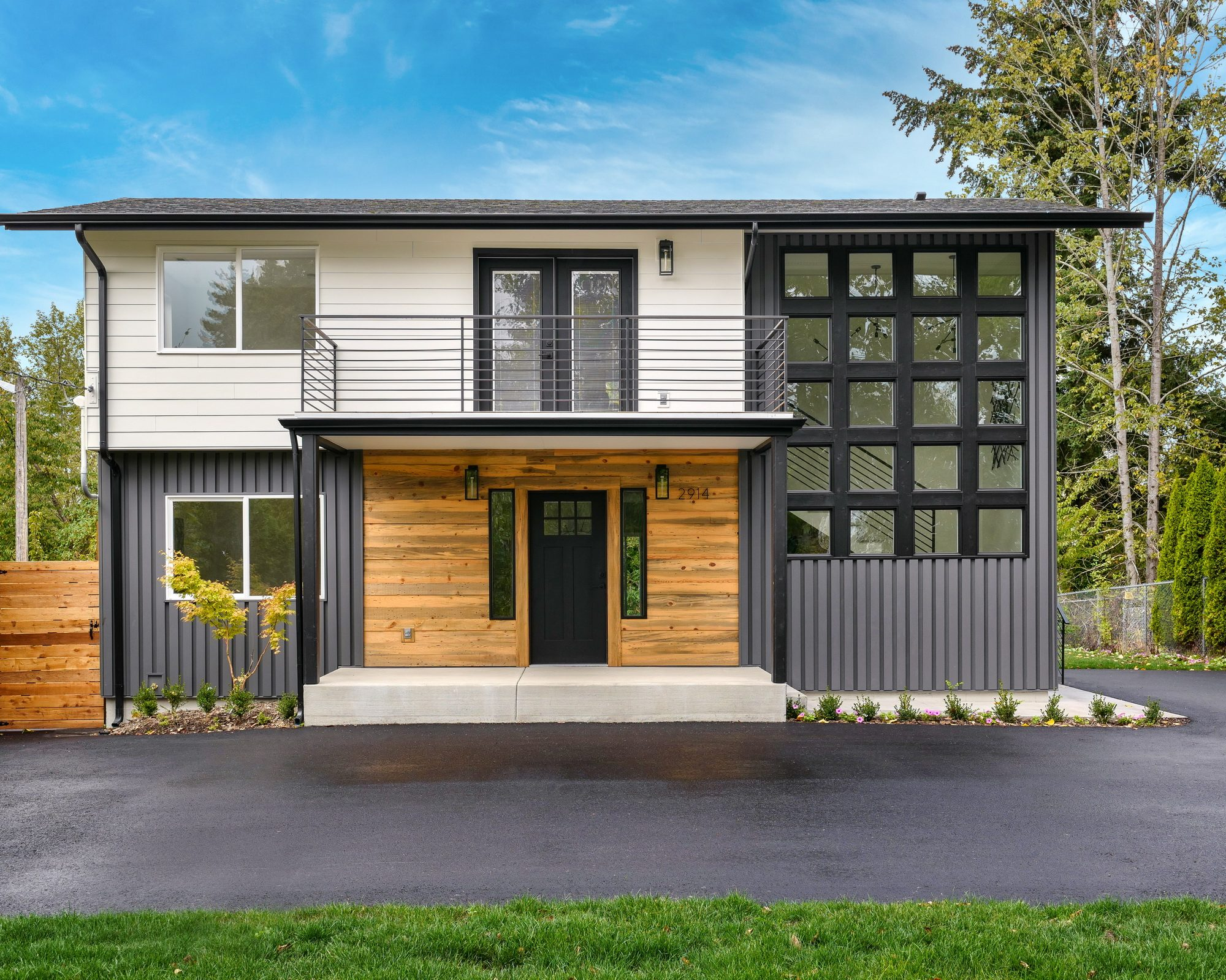 James Hardie and metal siding installation in Greater Seattle Area